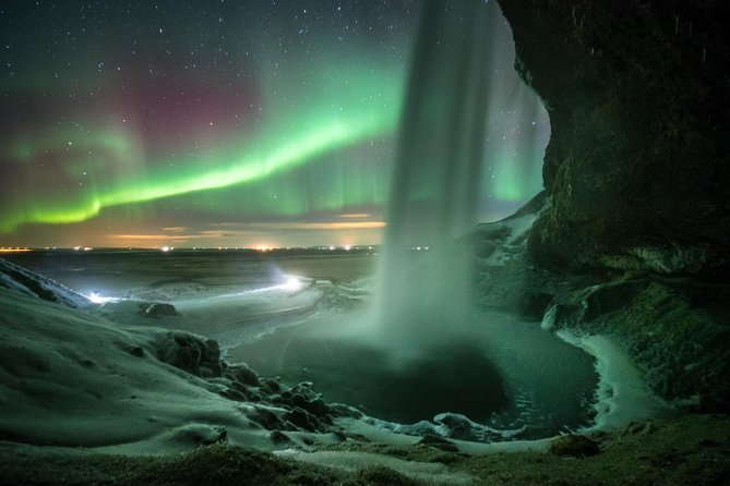 Northern Lights Bus Tour from Reykjavik photo 2