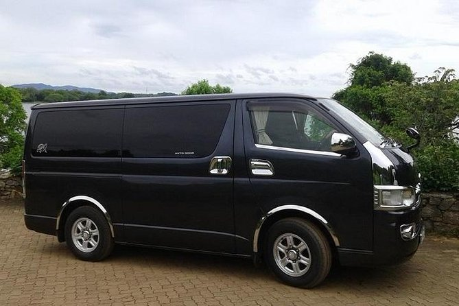 Taxi from colombo airport to colombo : private tour