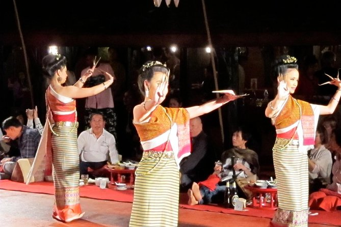 Traditional Khum Khantoke Dinner from Chiang Mai with Cultural Dance Show