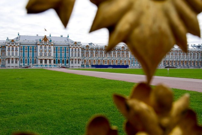 2-day Shore Private tour in St.Petersburg with Evening Canal Cruise
