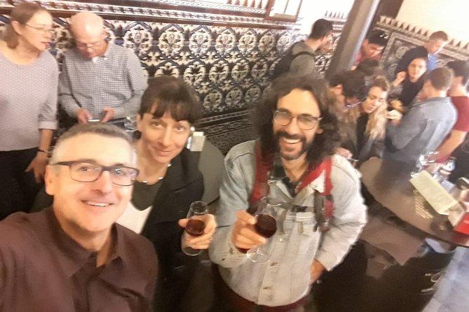 Sevillian tapas tasting on a bicycle (3 bars-3 tapas-3 drinks)