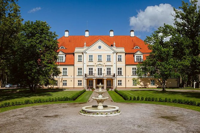 Gauja National Park Tour: Castles and Wine Tasting