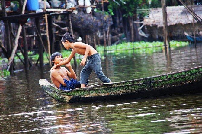 Explore Floating Village Private Tour