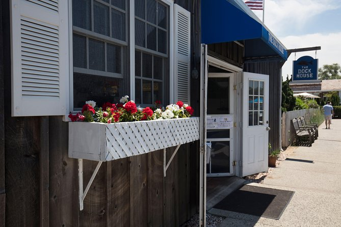 NYC Hamptons, Sag Harbor, and Outlet Shopping Day Trip photo 4