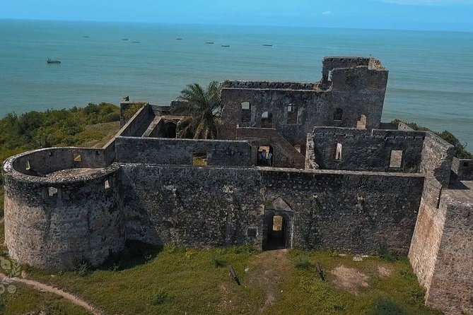 Forts Amsterdam, Williams & Cape Coast Castle Tour