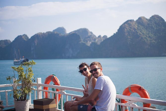 Halong Bay 6 hours cruising-Best Quality includes: Kayak, Swimming, Island, Cave