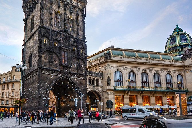 Transfer from Munich to Prague: Private sightseeing daytrip with two stops