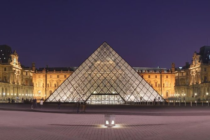 Private Family Tour of Louvre Museum. Specially designed for kids!