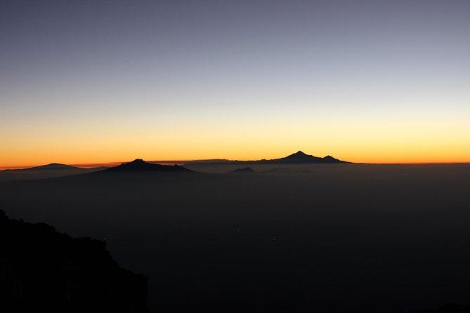 Mountaineering Iztaccihuatl (5220m)