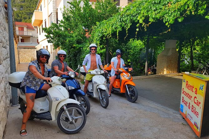 Scooter 50cc rental Hvar photo 3