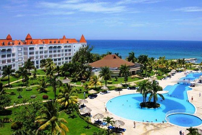 (Roundtrip) Private Airport Transfer to Grand Bahia Principe