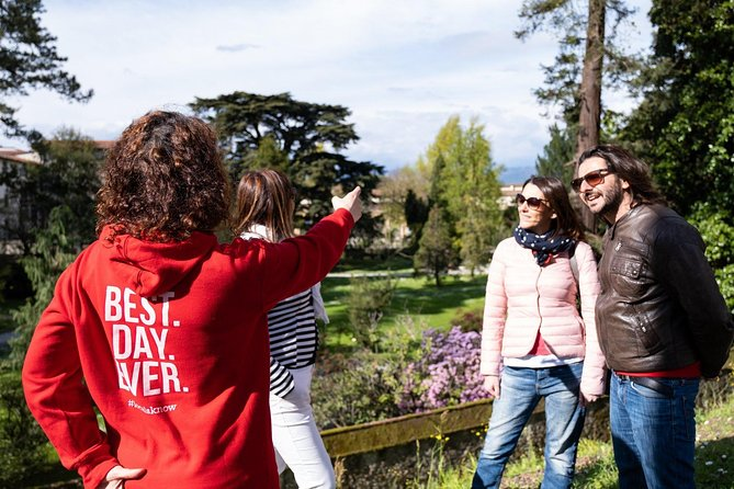 Green Lucca: Relaxing Afternoon Walking Tour Including Botanical Gardens Visit