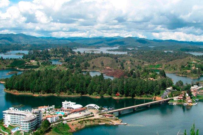Visit The Towns Of Guatapé, El Retiro, Marinilla & Tekendamita Waterfall.