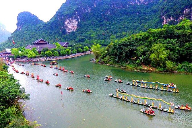 Trang An - King Kong Islet - Bai Dinh Pagoda - Mua Cave - Limousine Bus Day Tour