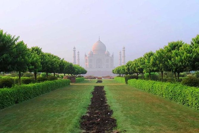 Private Taj Mahal Tour From Delhi photo 1