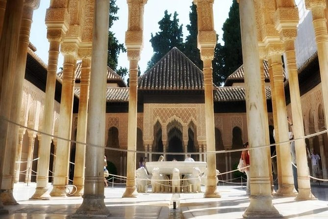 Alhambra and Generalife PRIVATE Tour