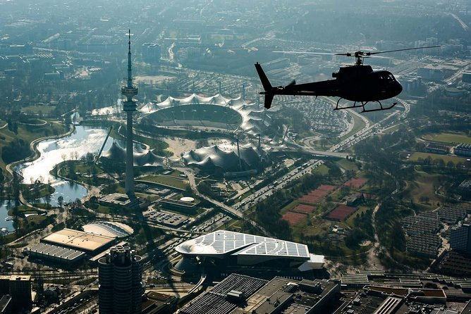 Munich City professional helicopter ride (45 Min.)