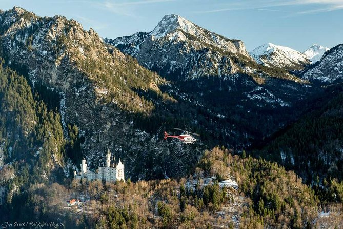 Neuschwanstein professional helicopter ride (90 Min) photo 6