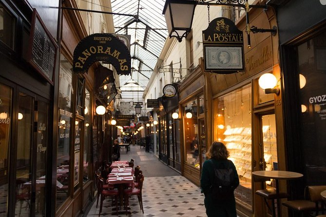 Private Tour : Welcome to the Parisian Covered Passages