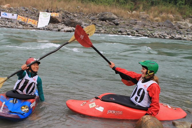 One day Kayaking course in Nepal photo 1