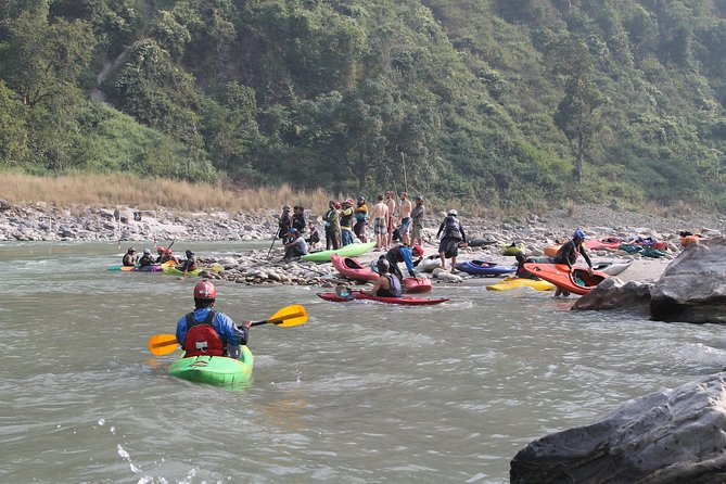 One day Kayaking course in Nepal photo 3