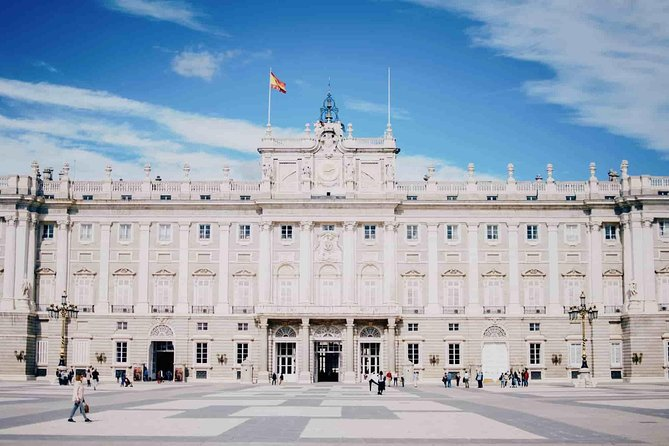 Visit to the Royal Palace of Madrid: tickets and private historian guide