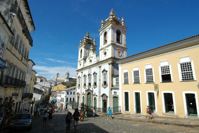 Transfer roundtrip in Salvador with Historical City Tour photo 1