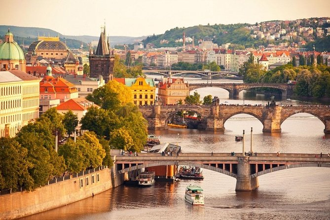 Private Airport Transfer Prague Airport (PRG) to Prague City Center - Minivan
