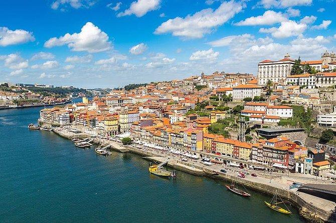 Private Airport Transfer Porto Airport (OPO) to Porto City Centre-Minivan
