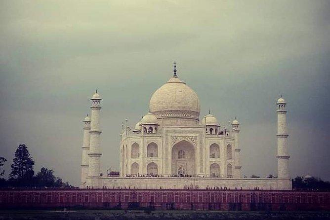 Same day Taj Mahal and Agra Fort tour from Kolkata