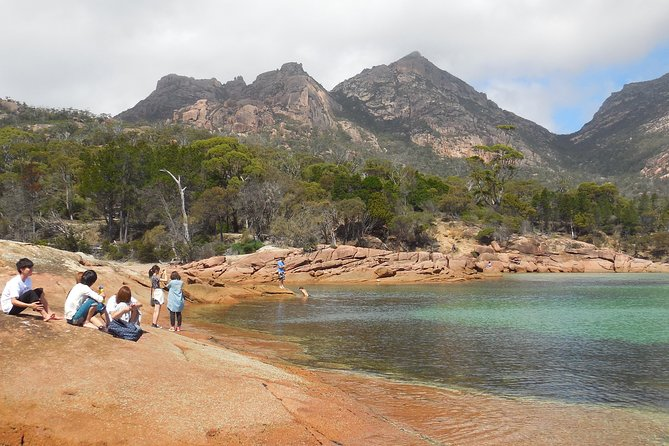 Active Day Tour One-Way from Hobart to Launceston with Wineglass Bay