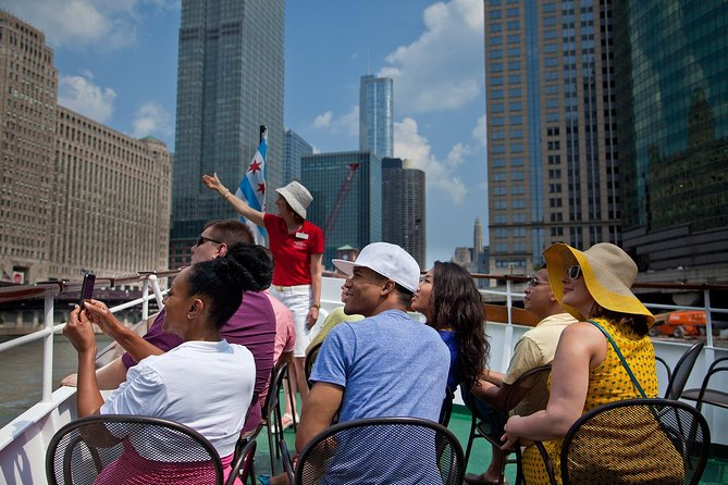Chicago Architecture Center River Cruise aboard Chicago's First Lady