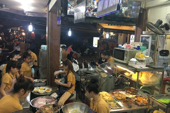 Small-group: Hanoi Old Quarter Street Food Walking Tour
