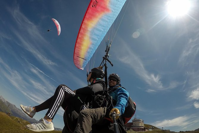 Paragliding together in the air!