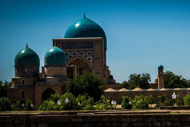"The Kok-Gumbaz mosque (the ""Blue Dome"")"