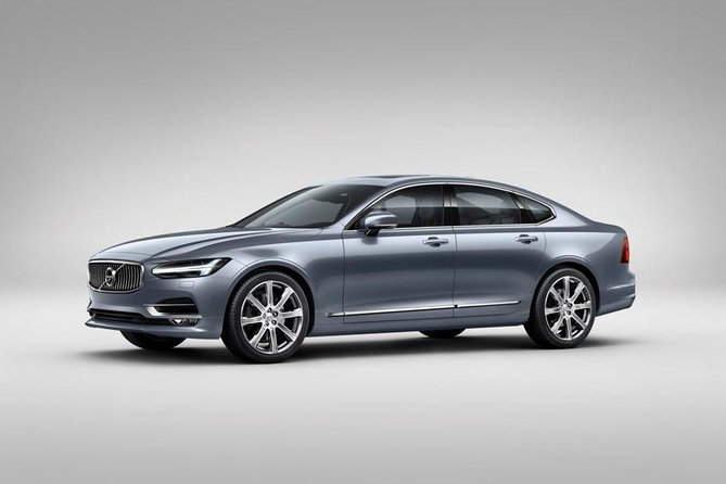 Arrival Private Transfer: Dusseldorf DUS Airport to City by Business Car