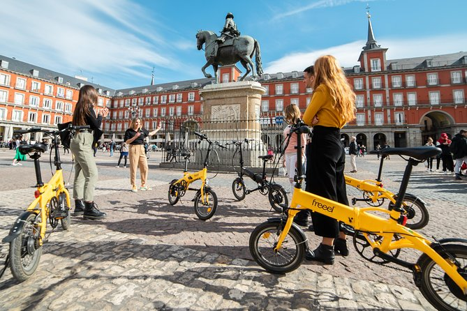 Madrid eBike City Tour: Highlights & Parks with Cable Car