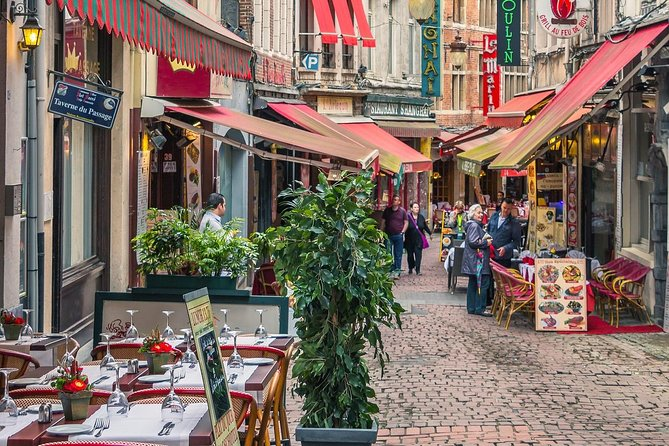 Eat like a local in Brussel: private & personalized photo 9