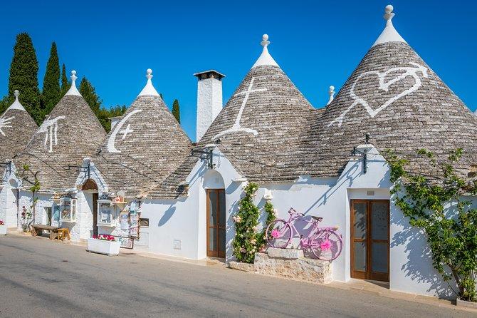 Full day tour in Valle d'Itria: Alberobello and Polignano a Mare