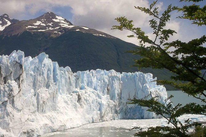 2-Days and 1 Night Experience El Calafate with Airfare from Buenos Aires
