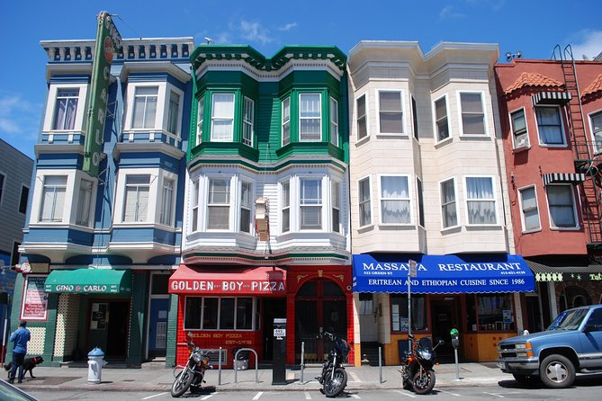 Cultural and Historical guided tour on foot downtown San Francisco