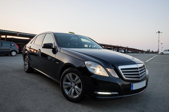 Private Transfer: Ayia Napa to Larnaca Airport 1-14 pax