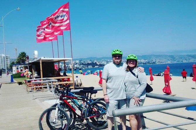 Full-Day Private Bike Tour of Concon Viña del Mar and Valparaiso from Santiago
