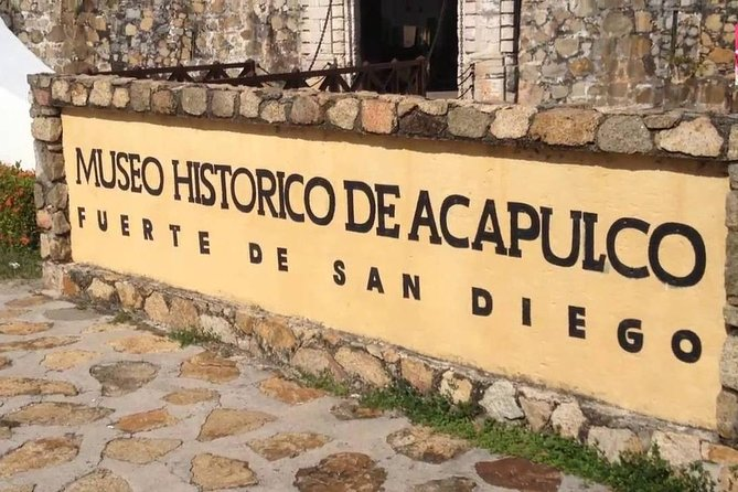 Acapulco Historical Tour with Cliff Divers Show