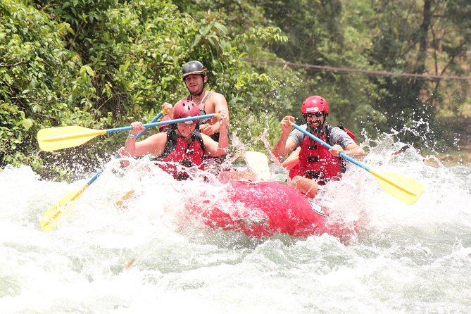 Extreme White Water Rafting Class III-IV from La Fortuna
