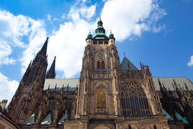 Two-Hour Morning Walking Tour of Prague Castle