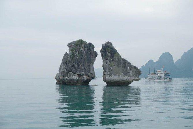 Hon Ga Choi Island, Halong Bay
