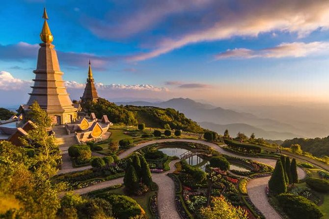 Doi inthanon National Park + Doi Suthep temple, views & trek (Double highlights)