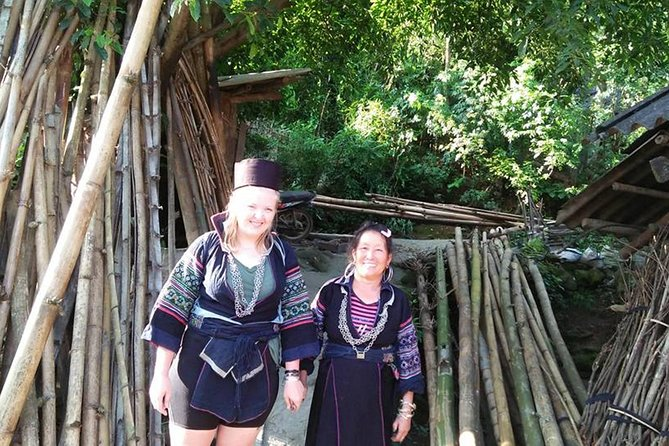 Tour to the North : 1 Day Group Tour to Ta Phin Village