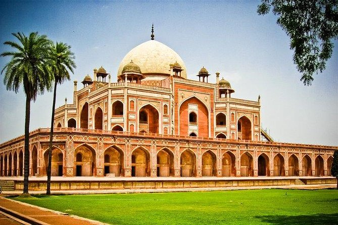 Exclusive Full Day Delhi Sightseeing with All Inclusive (Entrance fee and Lunch)